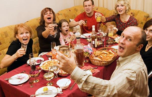 Как питаться во время праздников?
