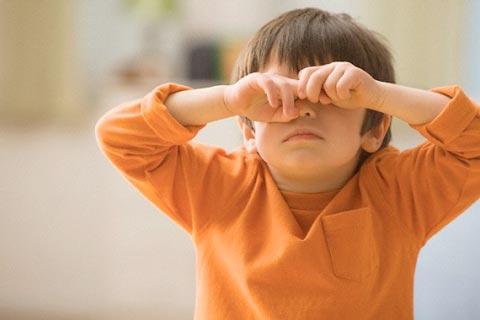 Чешутся глаза у детей