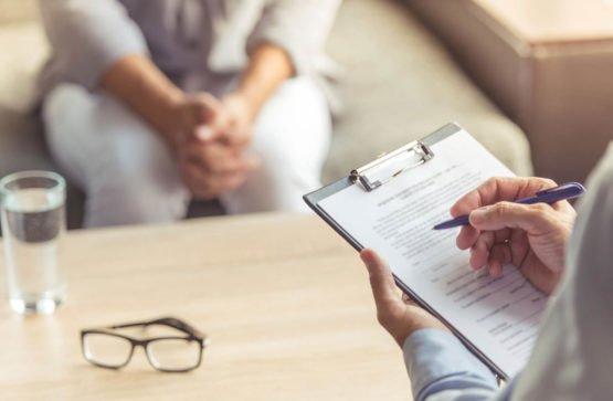 Когда человеку требуется помощь психолога?